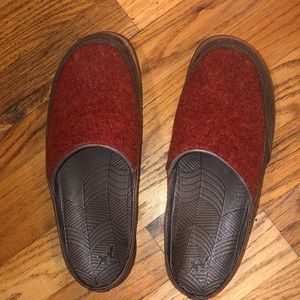Chaco Quinn Clogs Brick Red Leather Wool Upper 6.5